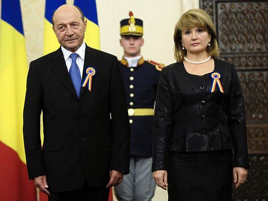Экс-президент Румынии принес присягу гражданина Молдавии