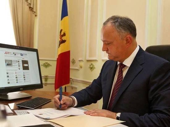 Игорь Додон: Отныне ни один военнослужащий не покинет страну без письменного разрешения верховного главнокомандующего